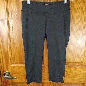 Lucy Athletic Cropped Mid Calf Leggings MED